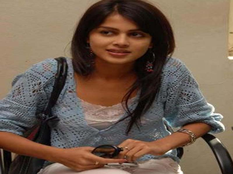 Genelie D Souza Tamil Actress without makeup photos