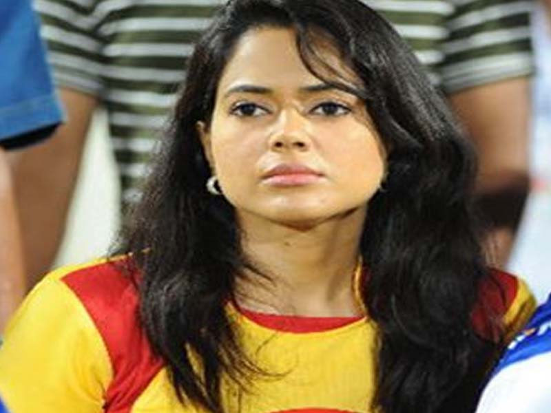 Sameera Reddy Tamil Actress without makeup photos